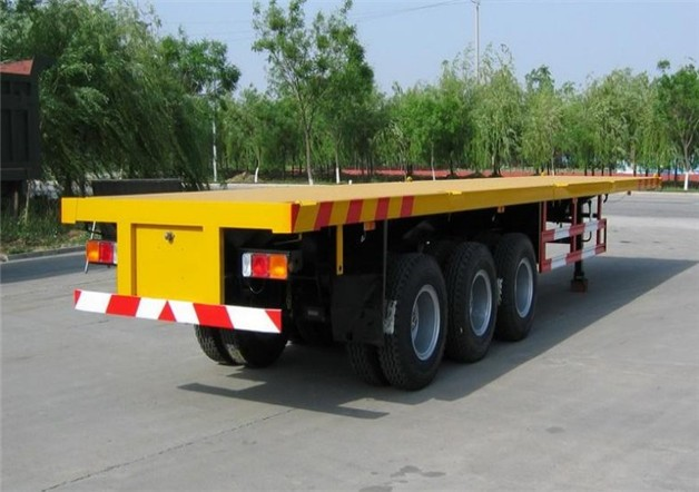 THREE AXLE FLATBED TRAILER